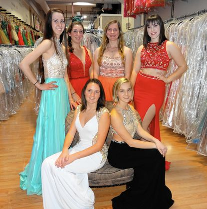 Fashion show anticipates coming of spring proms