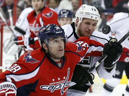 Brouwer's two goals lift Capitals past Kings, 4-0