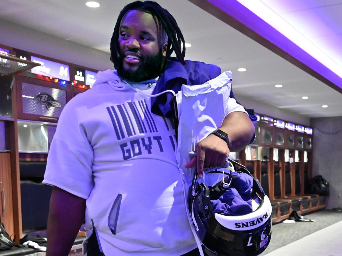 Former Ravens defensive tackle Michael Pierce reportedly agrees to ...