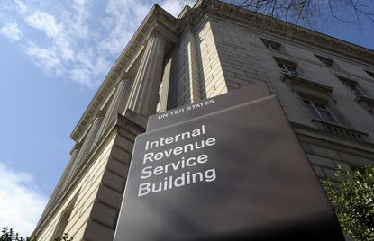 IRS gives all taxpayers an extra day to file after website issues