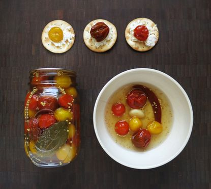 Snackcrafting: Maryland flag pickled cherry tomatoes