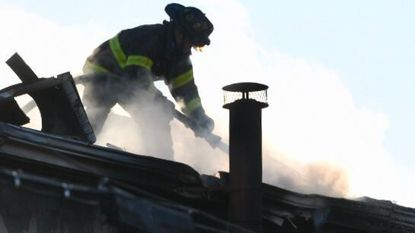 One firefighter injured in East Baltimore house fire