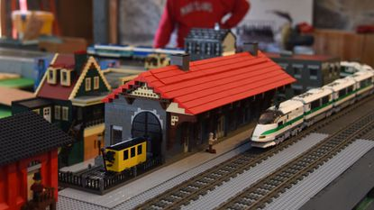 Lego enthusiasts recreate Ellicott City in holiday train garden