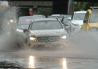 Driving tips: Keep your cool when driving in a storm