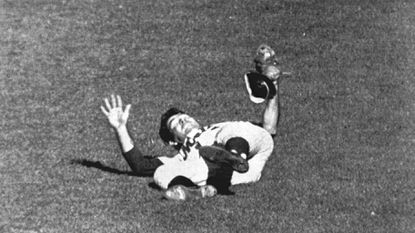 Retro Baltimore Trivia: What Sparrows Point High grad and University of Maryland alum made a stunning diving catch to vex the Orioles in the 1969 World Series?