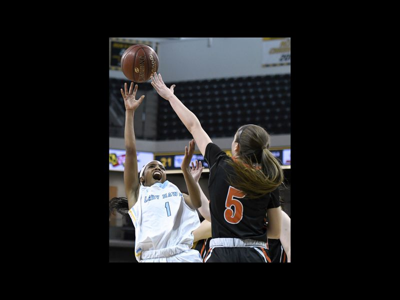 River Hill holds off Middletown for 2A girls basketball