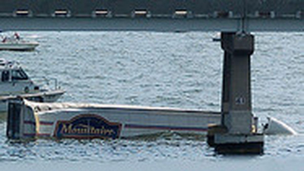 Driver dies as truck plunges off Bay Bridge - Baltimore Sun