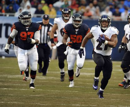 Ravens running back Ray Rice runs for 47 yards against the Bears in the first quarter.