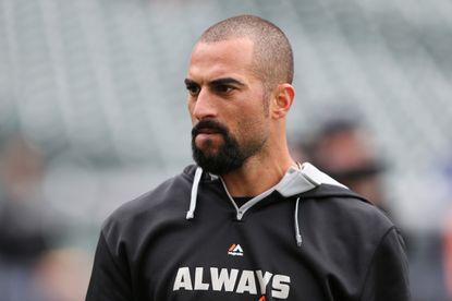 Orioles decline longtime outfielder Nick Markakis' $17.5 million option for 2015