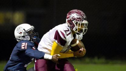 Havre de Grace beats Bel Air, 17-7, behind passing scores and turnovers