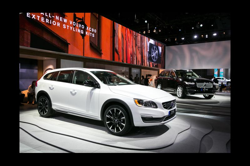 L A Auto Show New Volvo V60 And Xc90 Models Signal Relaunched Brand Baltimore Sun