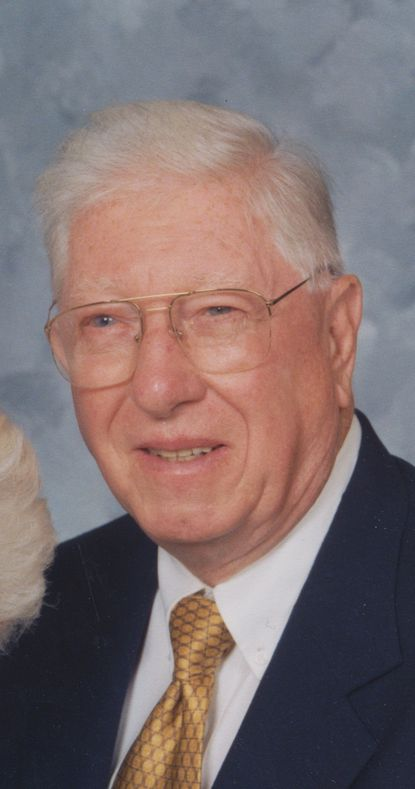 William R. Howard Jr. joined the old Equitable Trust Co. as a teller in 1950. During his more than three-decade career, he rose to become a vice president and corporate trust officer who where he worked with clients on trust and estate portfolios.