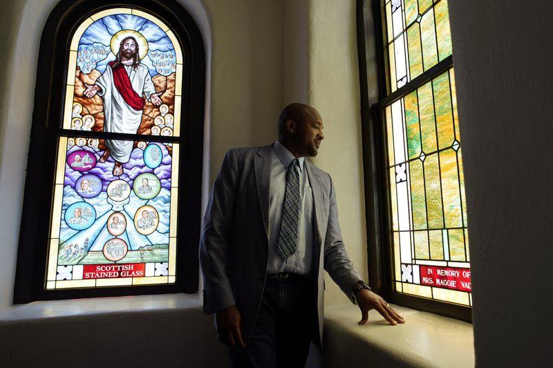 Empowerment Temple Hires Activist Pastor Robert Turner After Firing Jamal Bryant's Successor