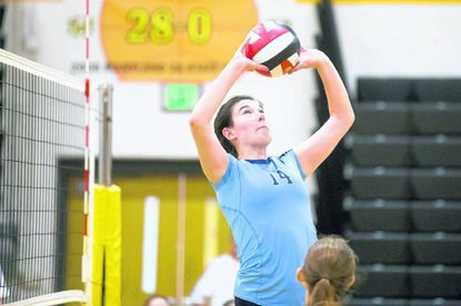 Howard senior setter Hanna Webster led her team to a 3-0 sweep of Centennial on Tuesday night.