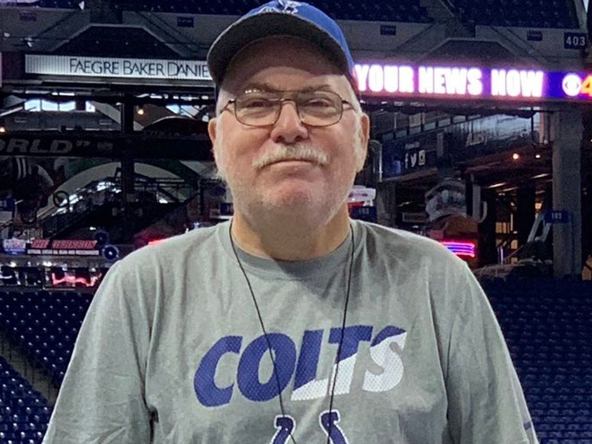Rich Moscarello, equipment manager at Johns Hopkins and equipment staffer for NFL's Colts, dies