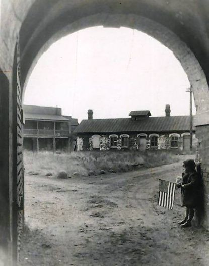 Entrance to Fort McHenry in 1925
