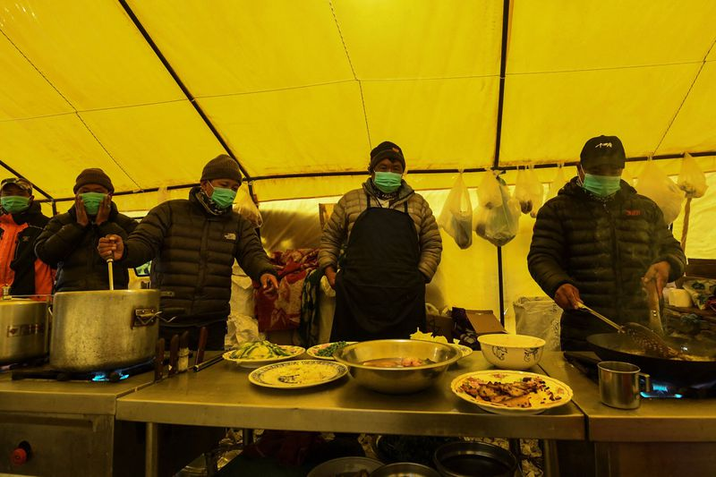 Dozens Came Down With Covid 19 On Everest Nepal Says It Never Happened Baltimore Sun