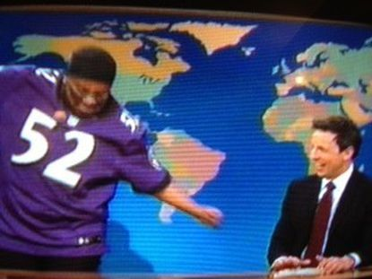 """Kenan Thompson performs the Squirrel Dance as Ray Lewis during a sketch on """"Saturday Night Live's"""" Weekedn Update."""