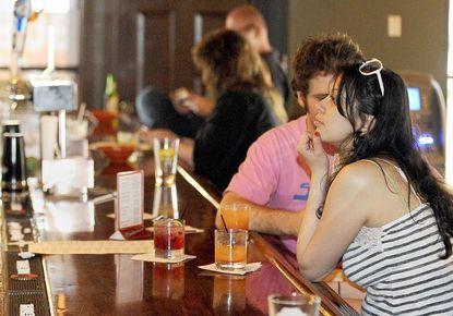 Review: Red House Tavern raises the neighborhood bar