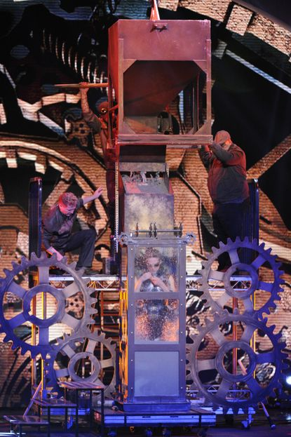 """The Baltimore magician attempts another escape during the wild card round of """"America's Got Talent."""""""