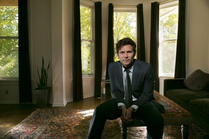 """Writer-director Steve Conrad, who has a TV pilot called """"Patriot"""" debuting this fall on Amazon, in his Chicago home. (Chris Walker/Chicago Tribune)"""
