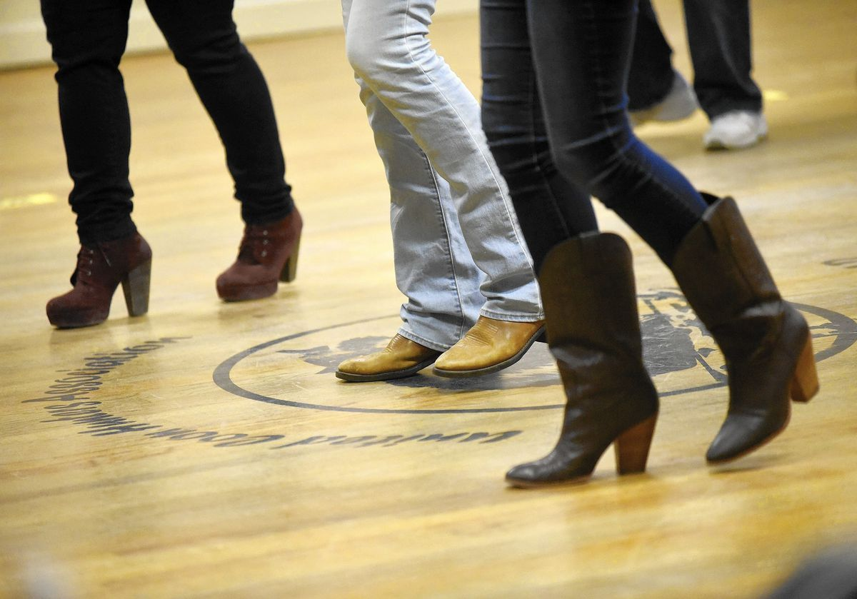 Social distancing on the dance floor? Carroll County health officer says wedding venues must follow guidelines