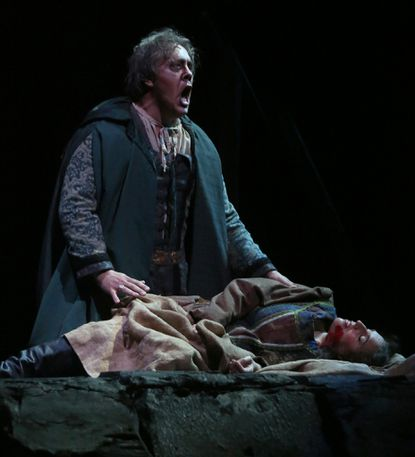 Lyric Opera offers sterling cast in 'Rigoletto'