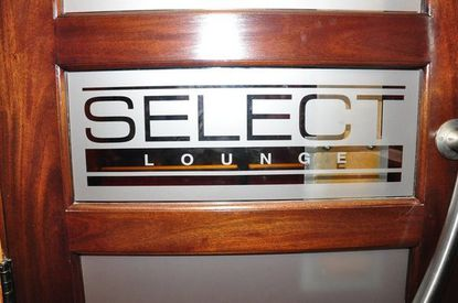 Select Lounge logo