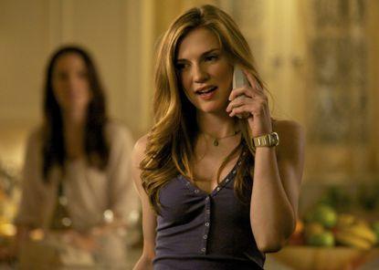 "Sara Canning as Jenna in ""The Vampire Diaries."""