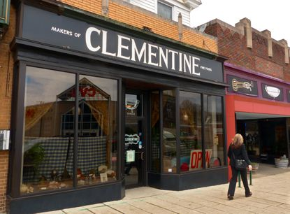 Clementine, on Harford Road