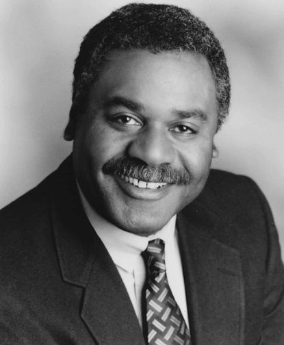 Frank Bond Jr. worked for two TV stations, and for the Freedom Forum, the First Amendment Center and The Newseum.