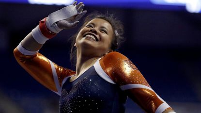 Auburn gymnast undergoes surgery after severely injuring both legs