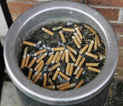 State encourages workers to quit smoking