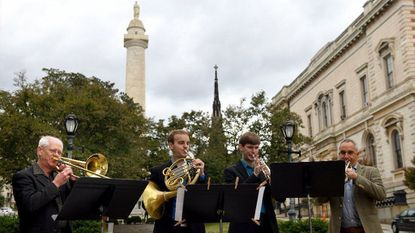 BSO musicians conduct pop-up concert to draw attention to expired contract