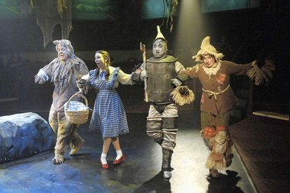 Toby's Columbia brings magic of 'Wizard of Oz' to stage