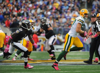 Aaron Rodgers spots Ravens breakdown that leads to touchdown