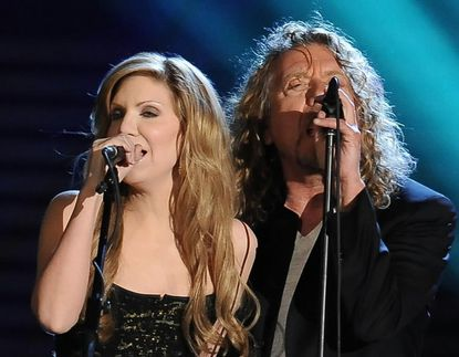 Alison Krauss performing with Robert Plant at the Grammys in 2009