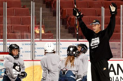 Ducks' Ryan Getzlaf, Corey Perry to fund kids' hockey program