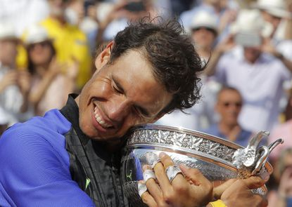 Nadal tops Wawrinka for record 10th French Open