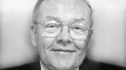 Dr. Robert Edgar Dinker, longtime physician, died Dec. 22 at age 81.