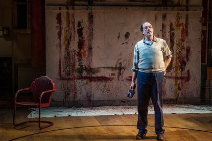 Bruce Nelson as Mark Rothko in Everyman Theatre production of 'Red'