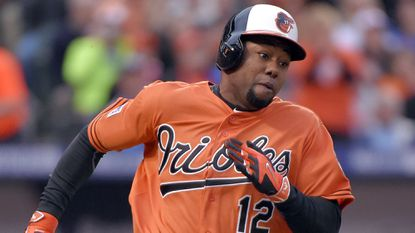 The Orioles tendered contracts to outfielder Alejandro De Aza and the other 10 arbitration-eligible players Tuesday.