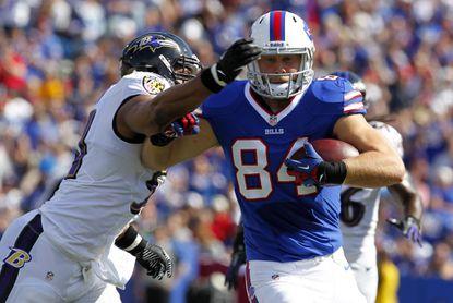Ravens have interest in former Bills tight end Scott Chandler, sources say