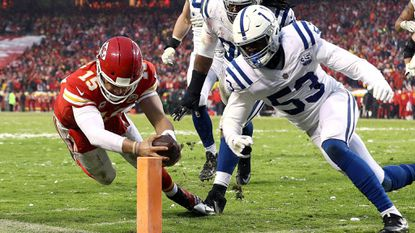 Chiefs' Patrick Mahomes, Damien Williams and defense lead playoff victory over Colts