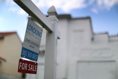 Mortgage rates surge after election, but homebuyers advised to be patient