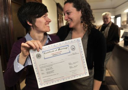 First marriage licenses issued to Maryland same-sex couples