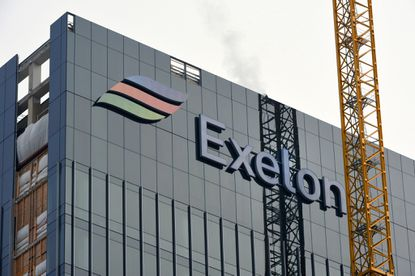 Baltimore, MD -- Construction on the Exelon tower in Harbor Point is nearing completion.