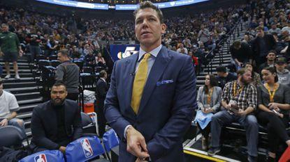 Luke Walton reaches agreement to coach Sacramento Kings