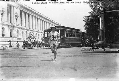 Henry Elphinstone passes the Senate Office Building in Washington en route to winning the 1911 Laurel-to-Washington Inter-City Marathon.
