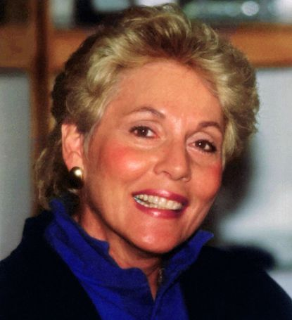 Edna Sandler and her husband operated Sandler Systems, a sales and management business.